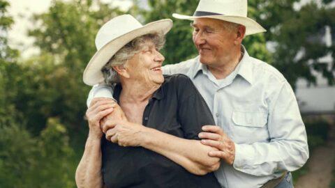 Parejas mayores en el amor