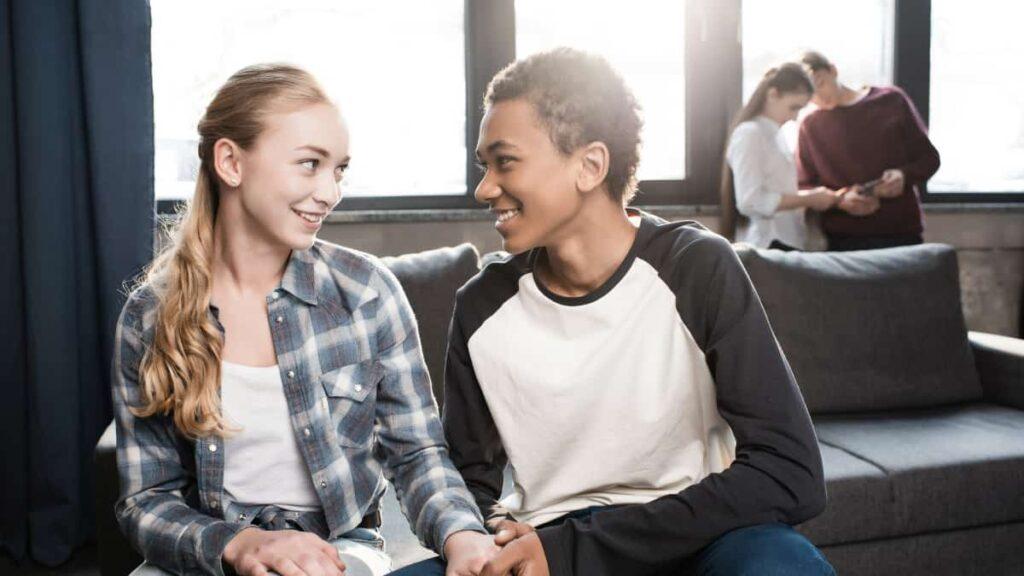 relaciones adolescentes, relaciones adolescentes toxicas, relaciones de pareja en adolescente, parejas entre adolescente, relaciones sexuales entre adolecentes